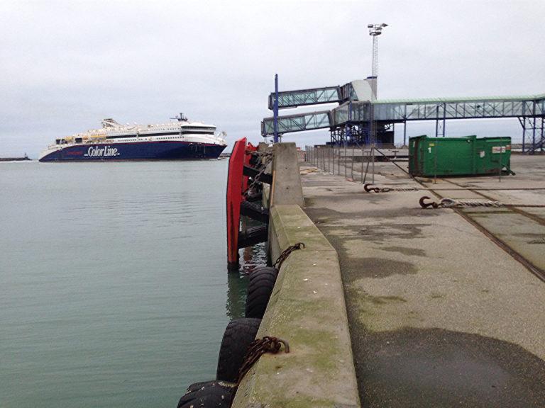 Case-Hirtshals-Havn-Etablering-af-bundsikring-Færgeleje-1-A1-Consult